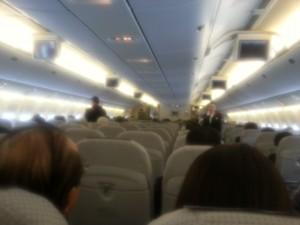 JAL ボーイング777機中@福岡空港